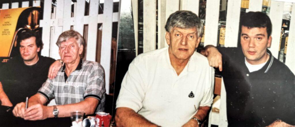 Bild som visar vår lyssnare Robert P med David Prowse.