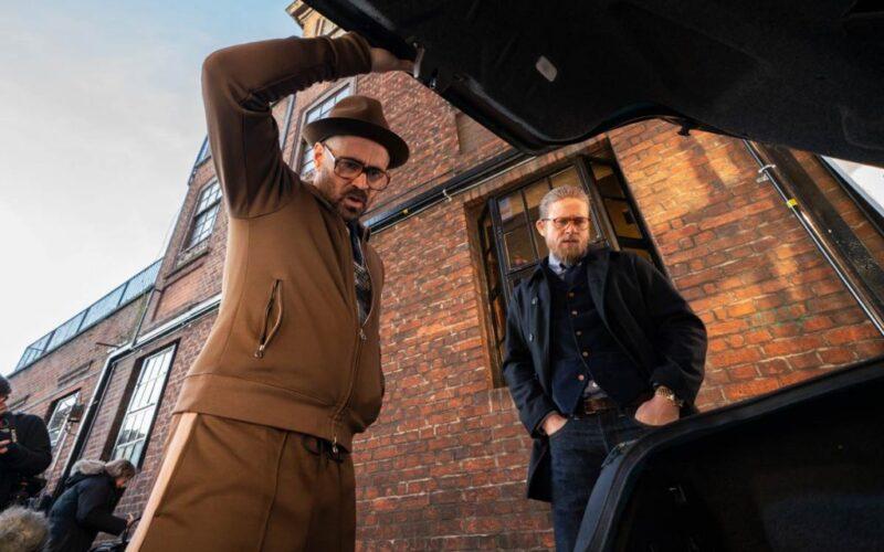 Colin Farell och Charlie Hunnam i The Gentlemen